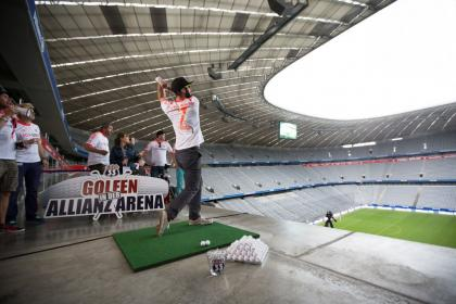 Golfen in der Allianz Arena